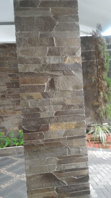 Slate stone for Covered House Foundation